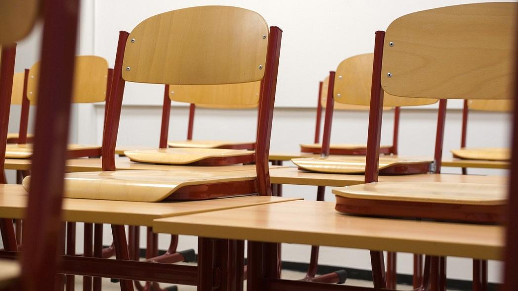 Ředitel montessori základní školy radí, jak vybrat židle a lavice pro děti